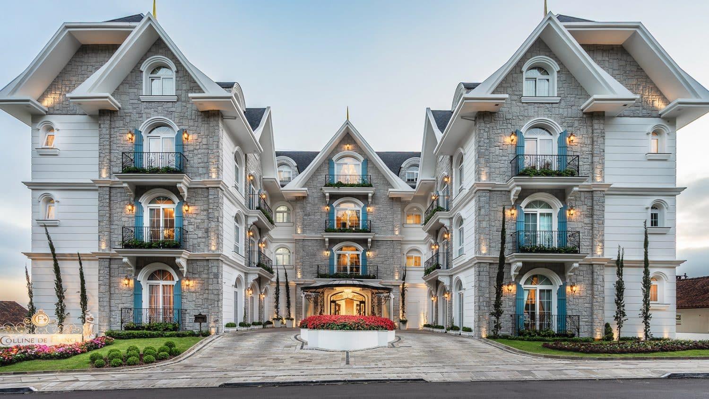 Fachada do melhor hotel do mundo em Gramado, o Hotel Colline de France