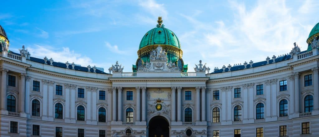 pontos turisticos como o Palacio Imperial de Hofburg na Austria