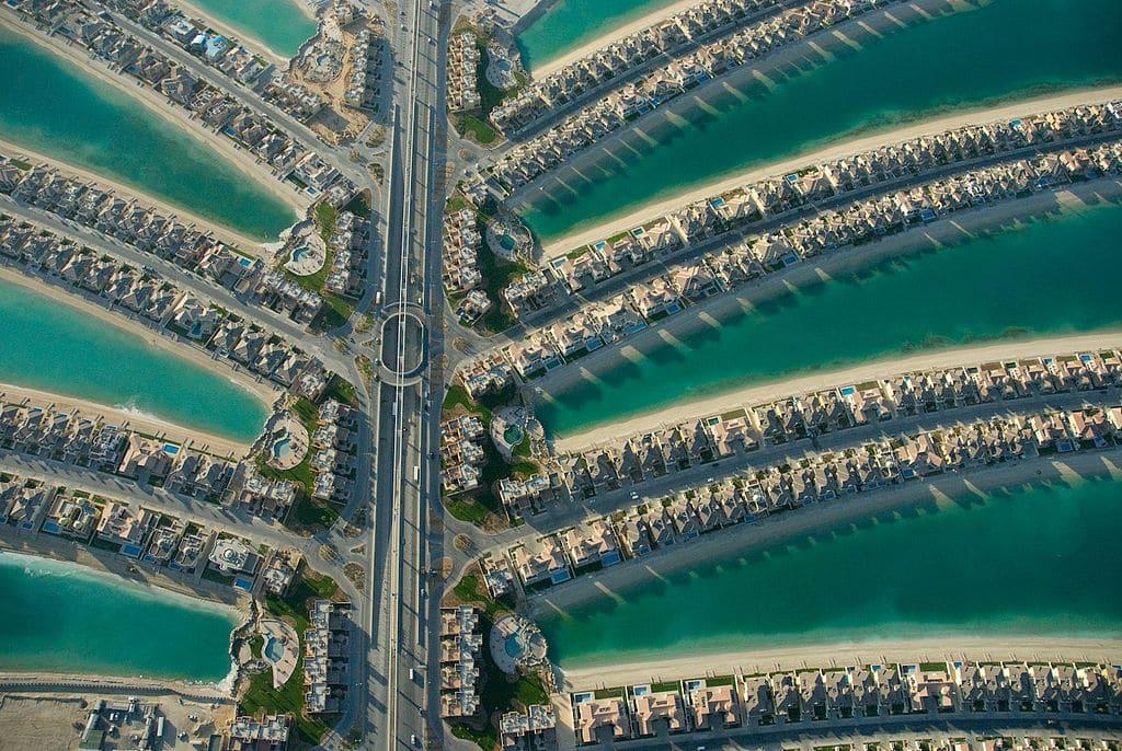 A Palm Jumeirah, uma das ilhas artificiais do destino