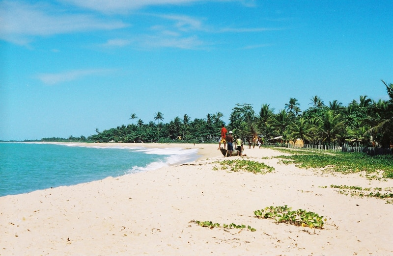 Praia em Caraíva, um dos destinos para lua de mel na Bahia