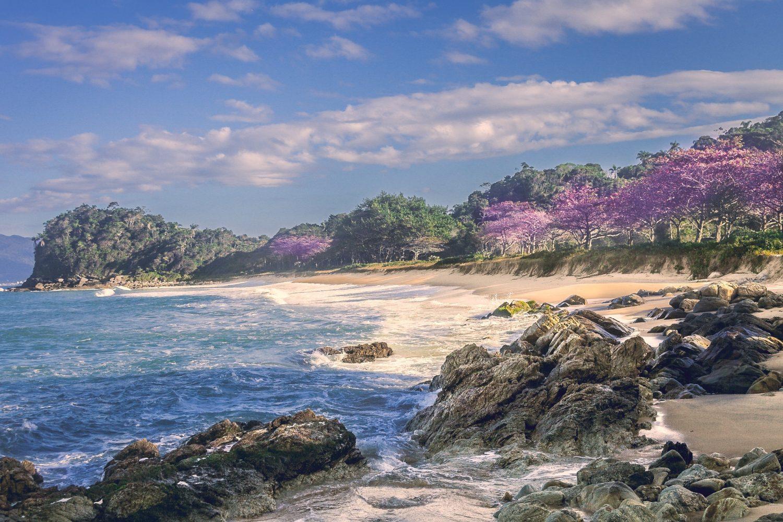 Praia Grossa, em Itapema, ilustrando post de pousadas em Santa Catarina