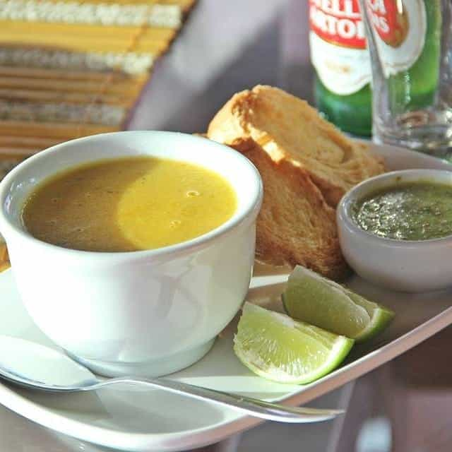 Caldo servido no Restaurante Porto Real