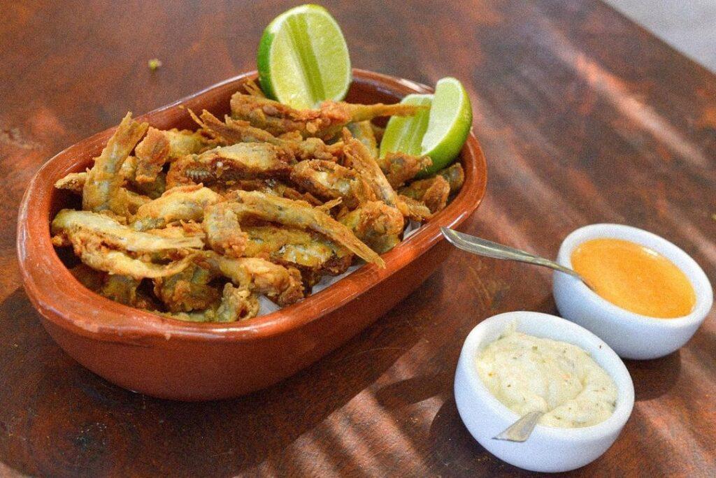 Porção de camarão no Restaurante Sombra da Mangueira