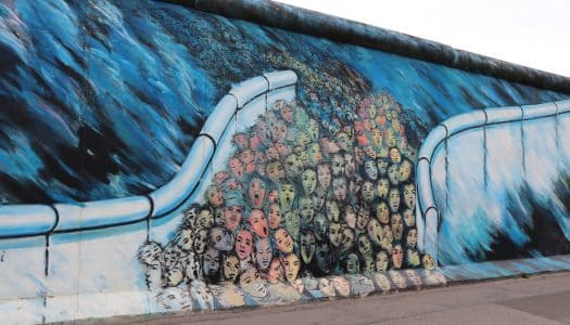 East Side Gallery – A galeria que colore o Muro de Berlim