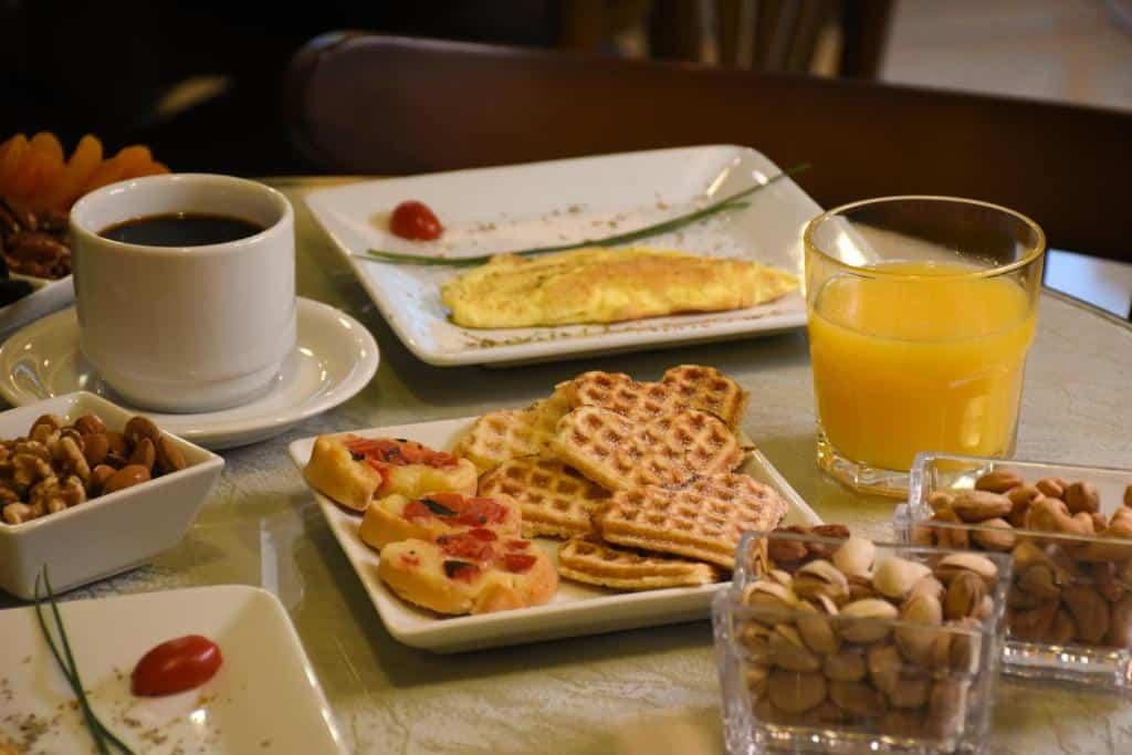 café da manhã da pousada belluno