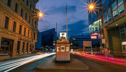 Checkpoint Charlie – Marco da Guerra Fria no meio de Berlim