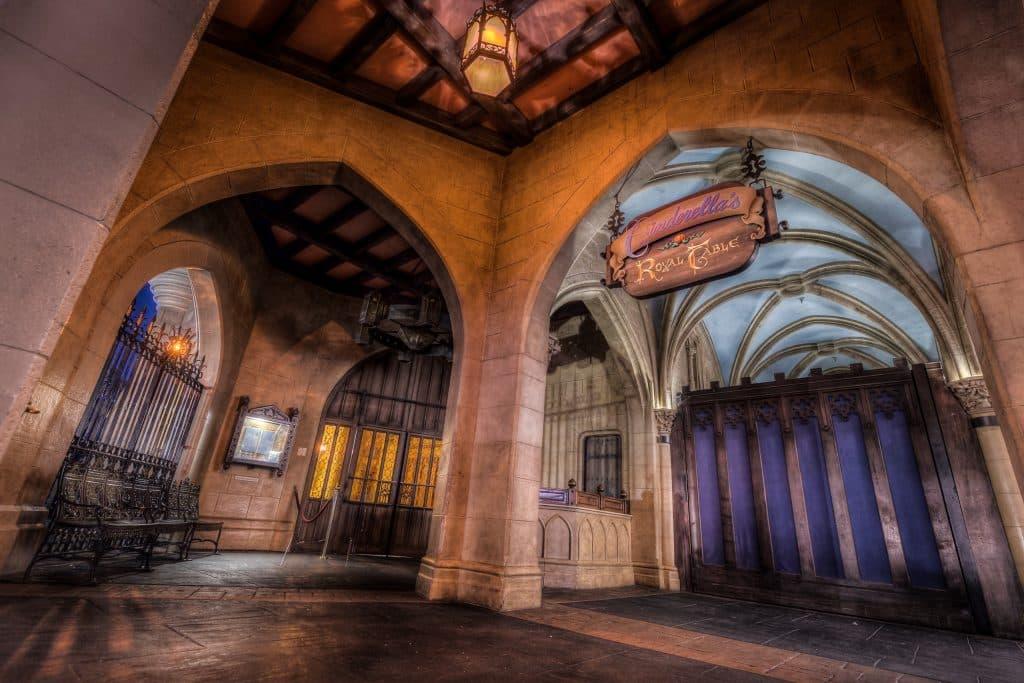 entrada do royal table no castelo cinderela do magic kingdom
