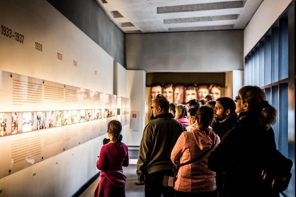 exibição do memorial do holocausto em berlim