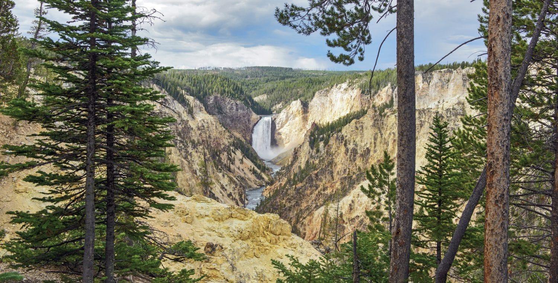Lower Falls no Parque Nacional de Yellostone