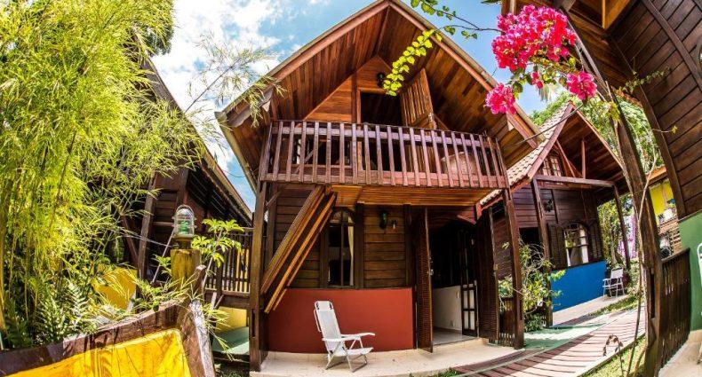 Um dos chalés românticos no Paraná, localizado na Ilha do Mel