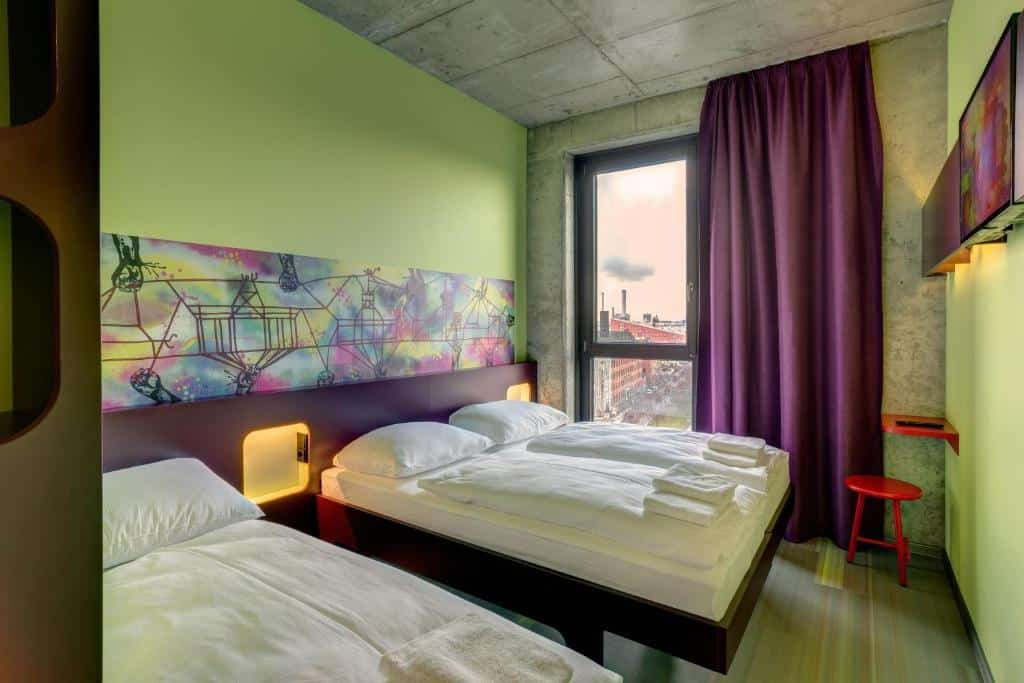quarto do MEININGER Hotel Berlin East Side Gallery