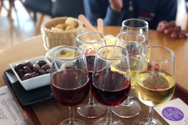 Vinhos diversos no Santo Wines