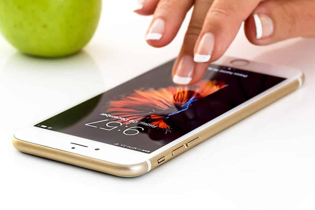 iphone aberto disponível para uso do chip da viaje conectado