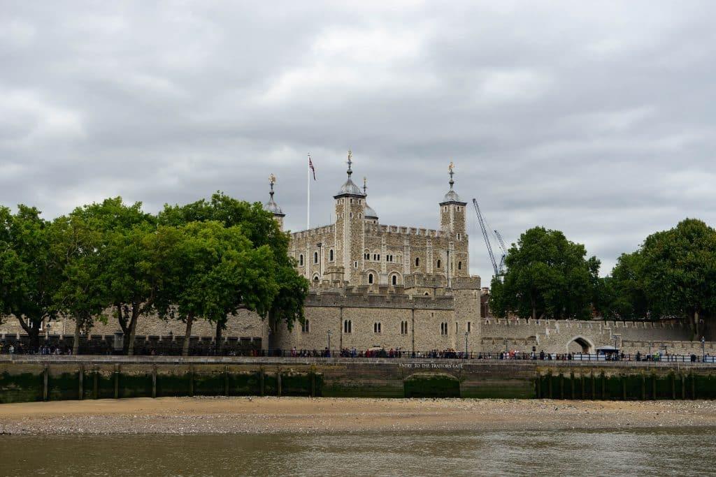 Vista da Torre de Londres ao longe