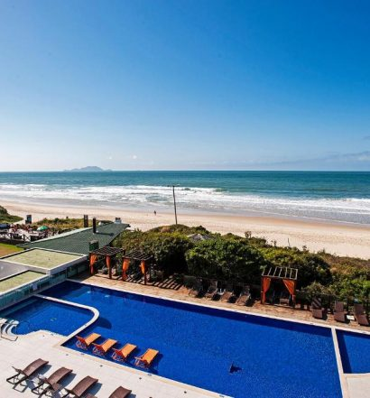 Vista da praia a partir de um dos hotéis em Florianópolis