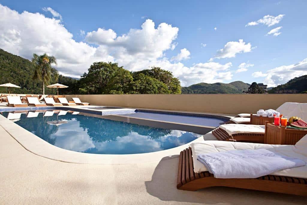 piscina do Hotel Granja Brasil Resort