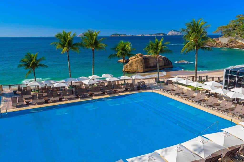 piscina do Sheraton Grand Rio Hotel & Resort no Leblon