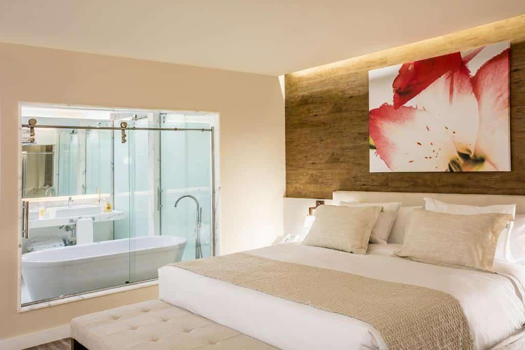 suíte da Vogue Square Fashion Hotel by Lenny Niemeyer