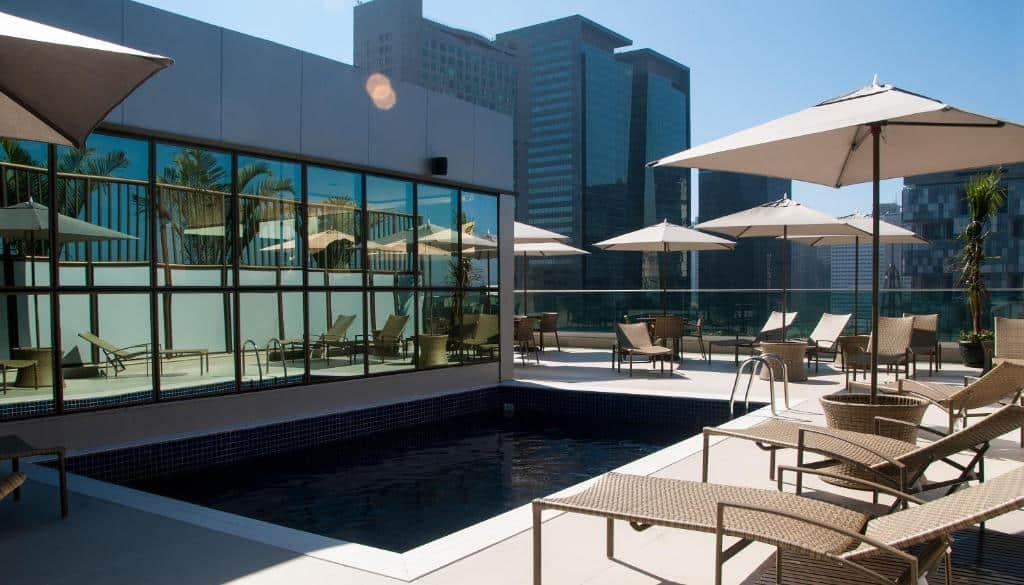 piscina do Américas Granada Hotel no centro do rio de janeiro