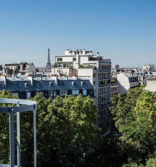 Vista de um dos hotéis Mercure em Paris, o Mercure Paris 17 Batignolles