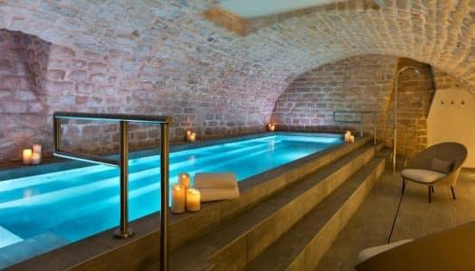 Hotéis com piscina em Paris – 12 perfeitos o verão europeu