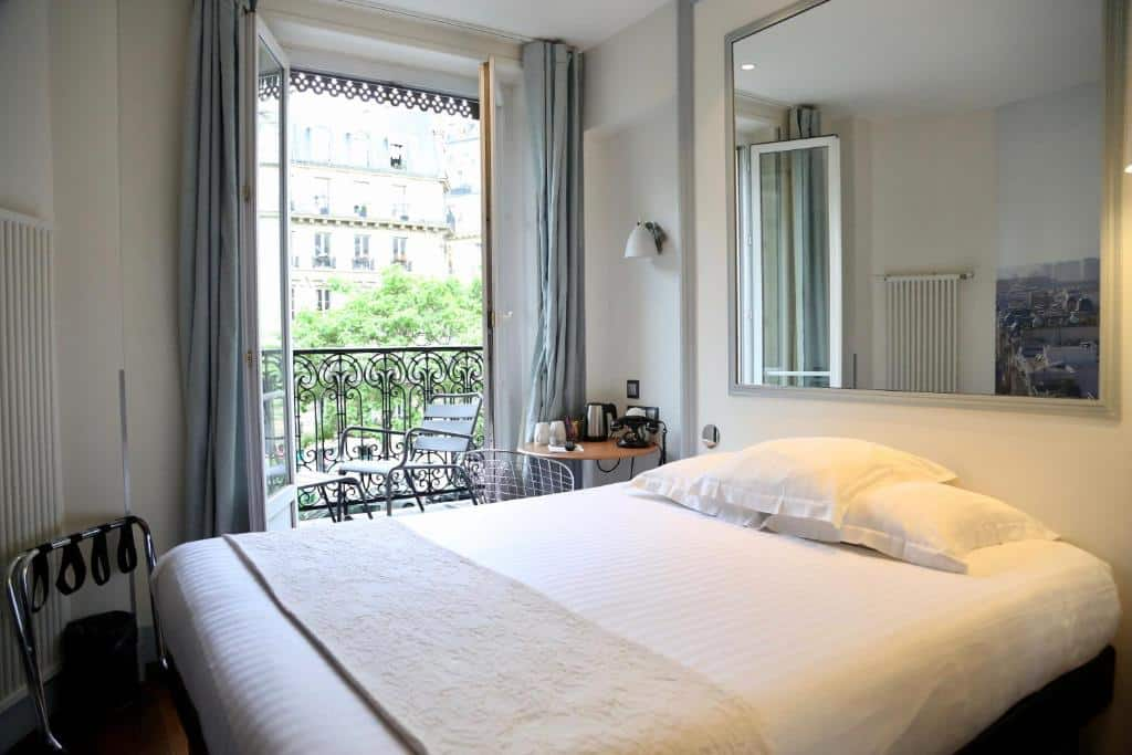 Um dos hotéis perto do Arco do Triunfo em Paris