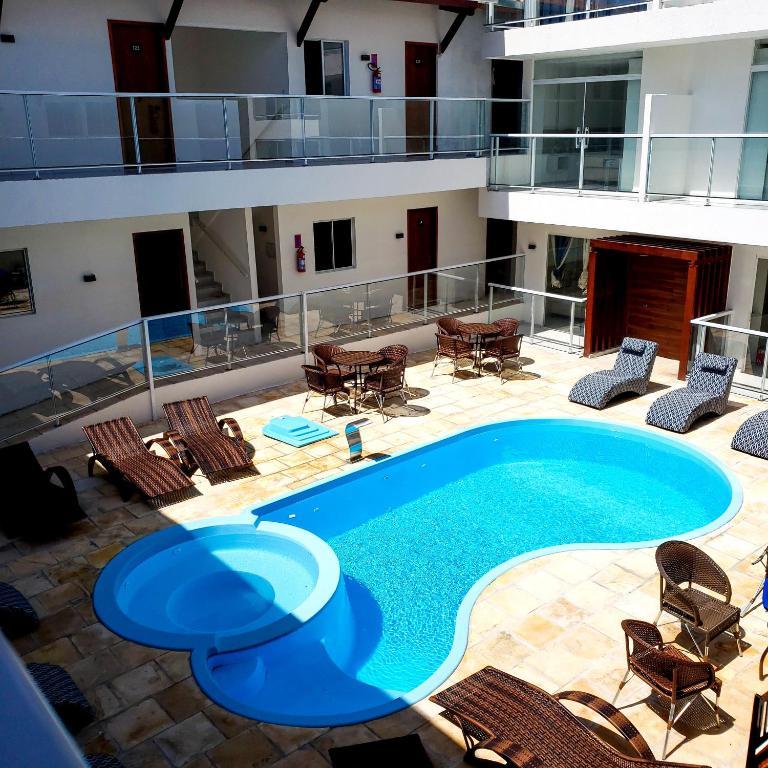 piscina do Vila de Maré Hotel