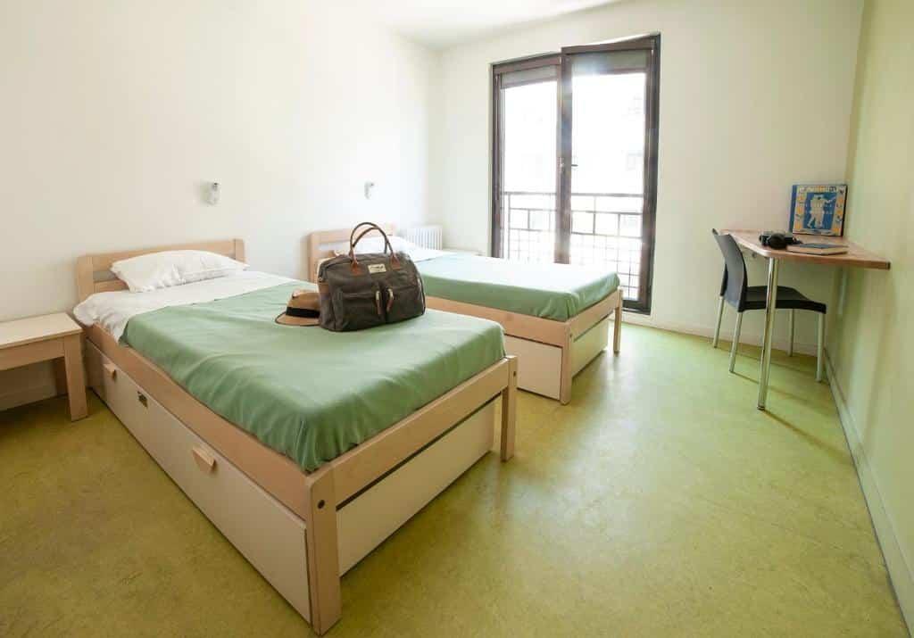 Quarto de um dos hostels em Paris