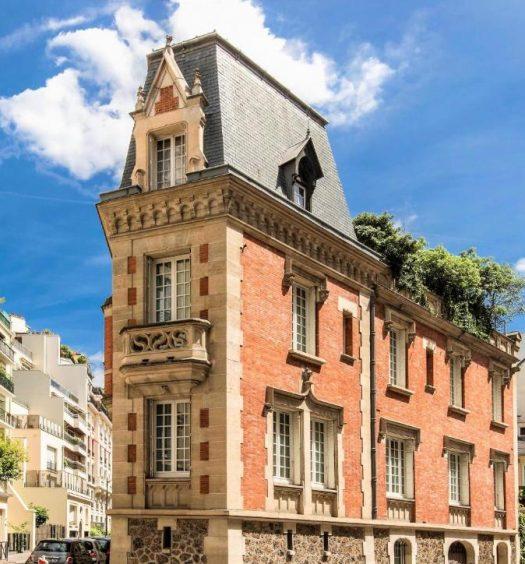 Fachada de um dos hotéis boutique em Paris