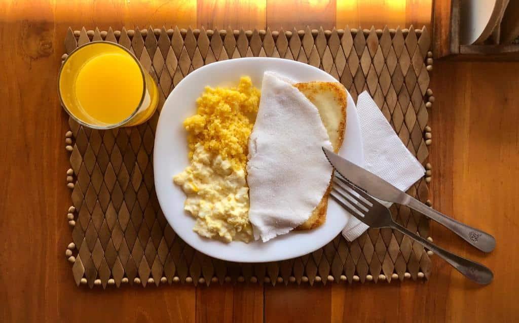 café da manhã da Pousada Costera